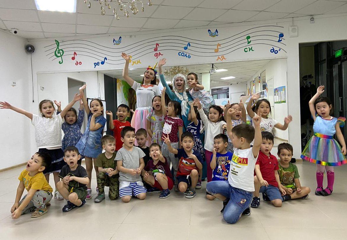 С 1 июня! С первым днем лета! С Днем защиты детей!